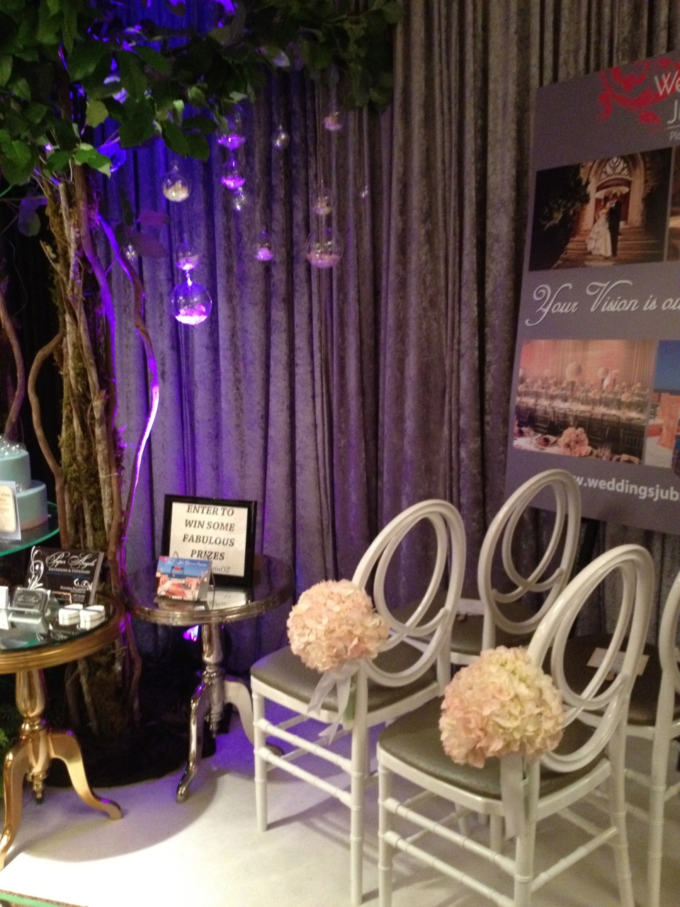 Wedding in Oz ceremony booth