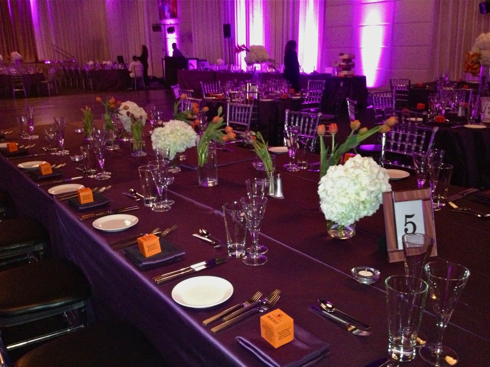 Family style tables got groupings of tulips and hydrangea along their entire length.