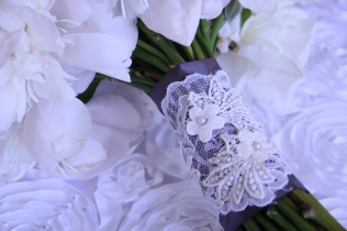 Custom lace bouquet wrap