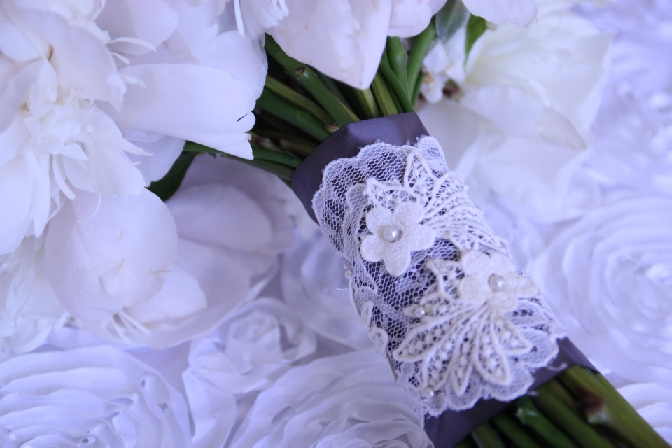 Custom lace bouquet wrap.