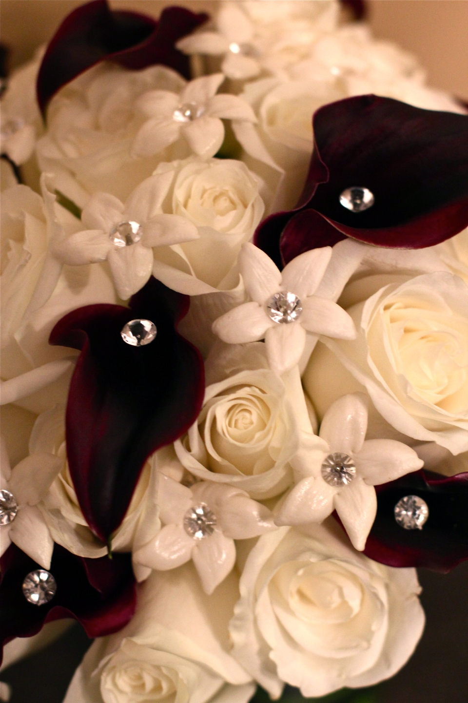 Black and white bouquet detail