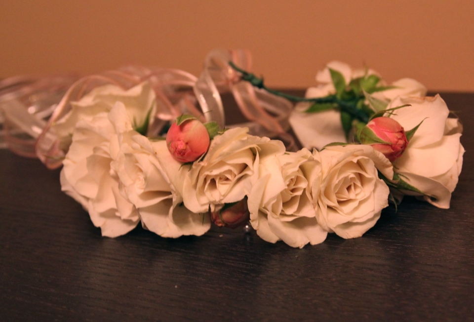 Spray rose floral crown