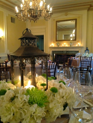 Lantern Centerpiece - Graydon Hall Manor