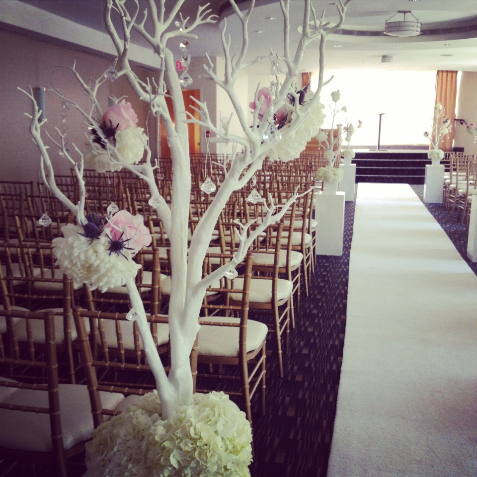 White manzita tree with wired flowers and crystals for the aisle