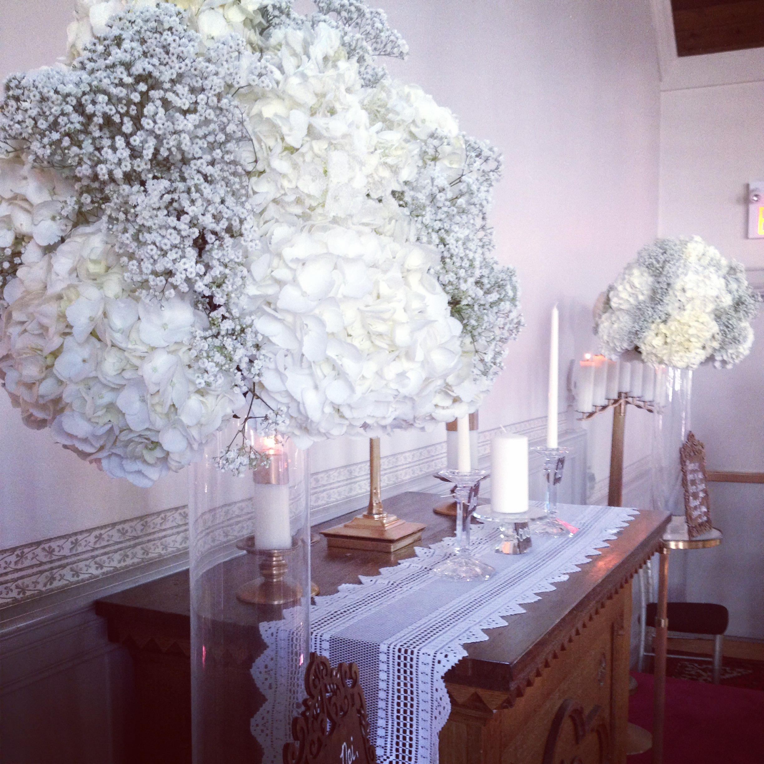 Wedding Altar Pieces: Coral Touches At The Doctor's House
