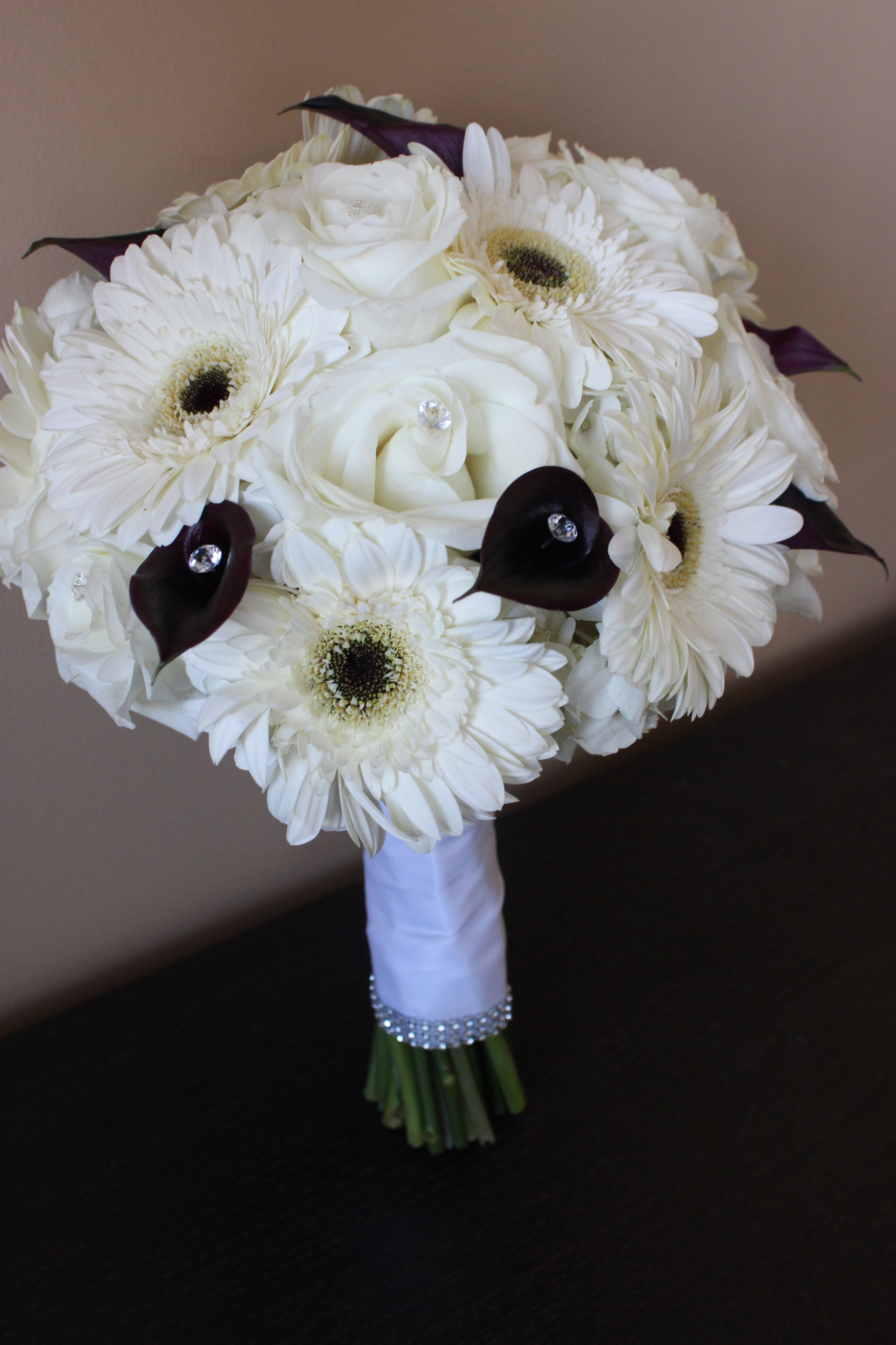All white with black accents at the grand luxe black and white bridal bouquet mightylinksfo