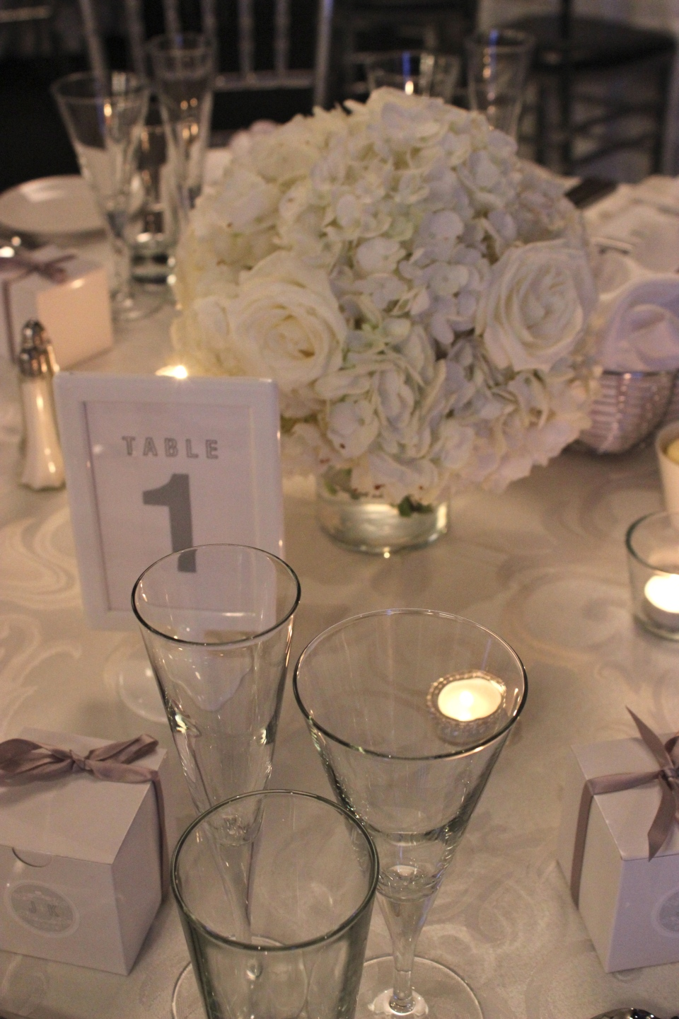 Low white centerpiece