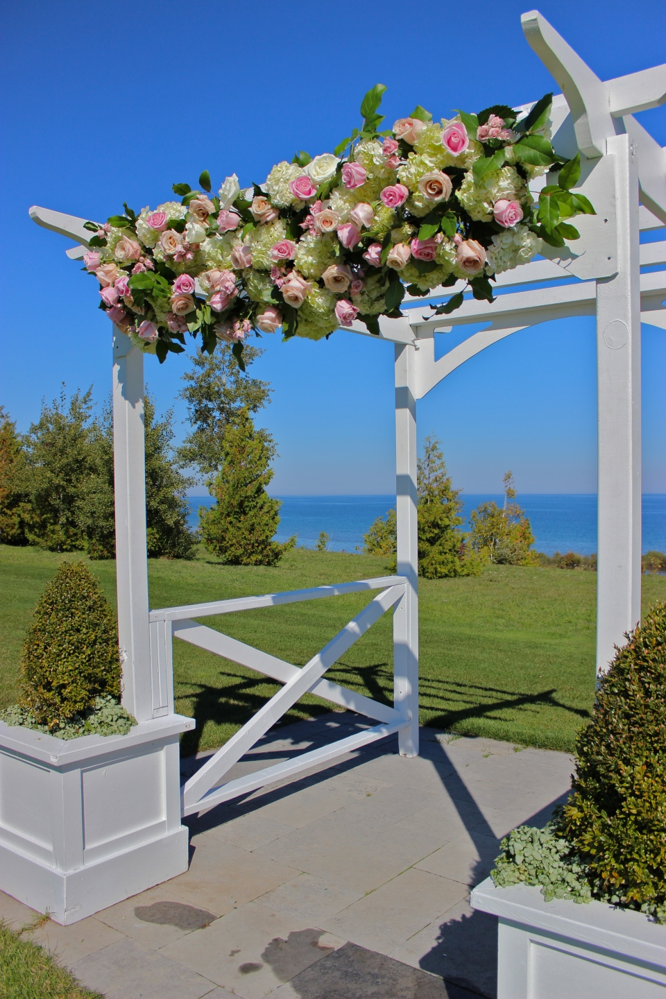 Floral Trellis Arrangement of Hydrangea, Roses and Greens