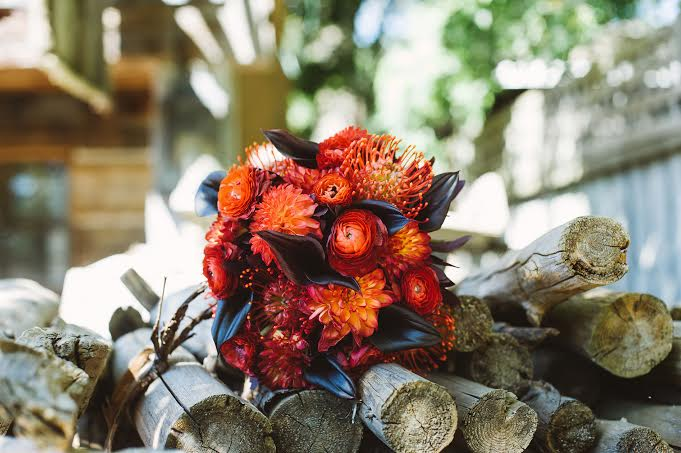 Rustic red bridal bouquet