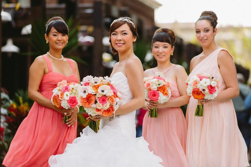 Coral, Peach & Ivory Bouquets