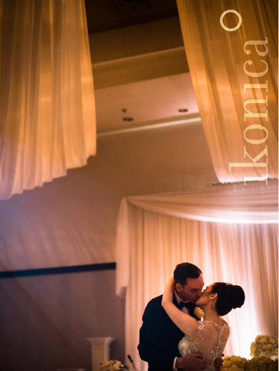 Alyssa & Greg - Dancefloor Kiss - Carmen's Banquet Hall