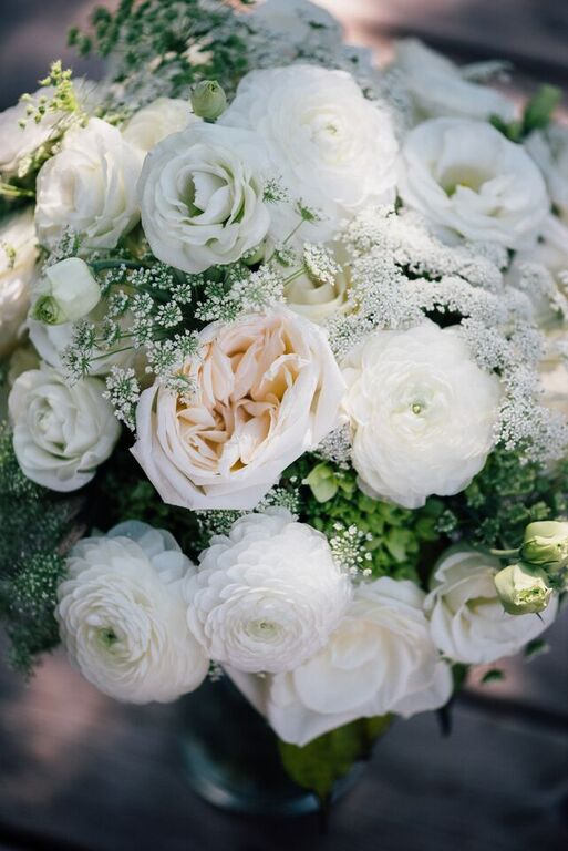 Cream and White Bouquet with Ranunculus, Garden Roses, Lisiainthus & Queen Anne's Lace