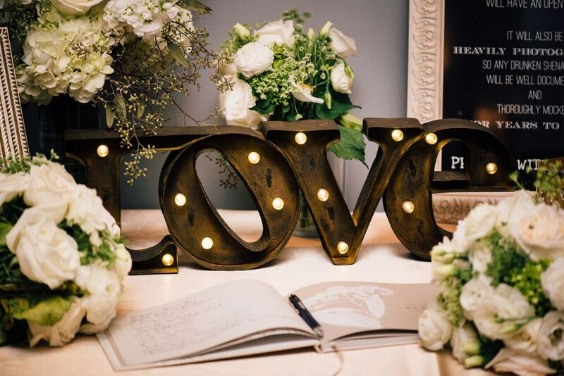 Receiving Table LOVE decor with Bouquets