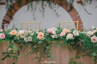 headtable-floral-garland-detail